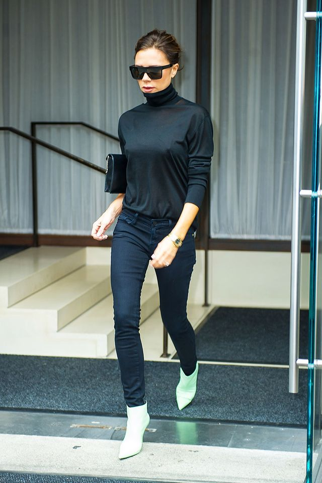 Victoria Beckham Jean Outfits: Skinny Jeans and Turtleneck