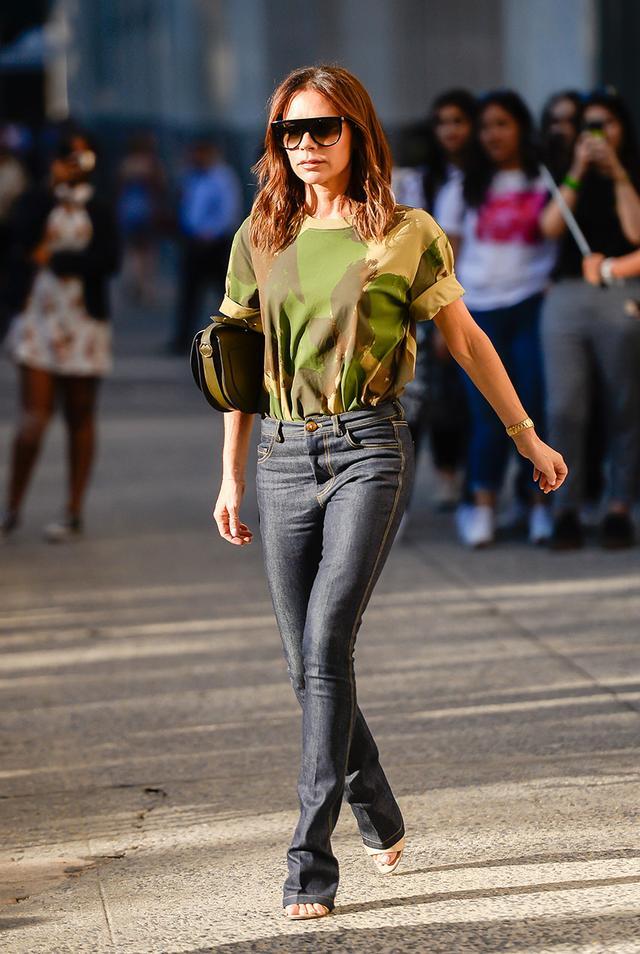 Victoria Beckham Jean Outfits: Camo T-Shirt
