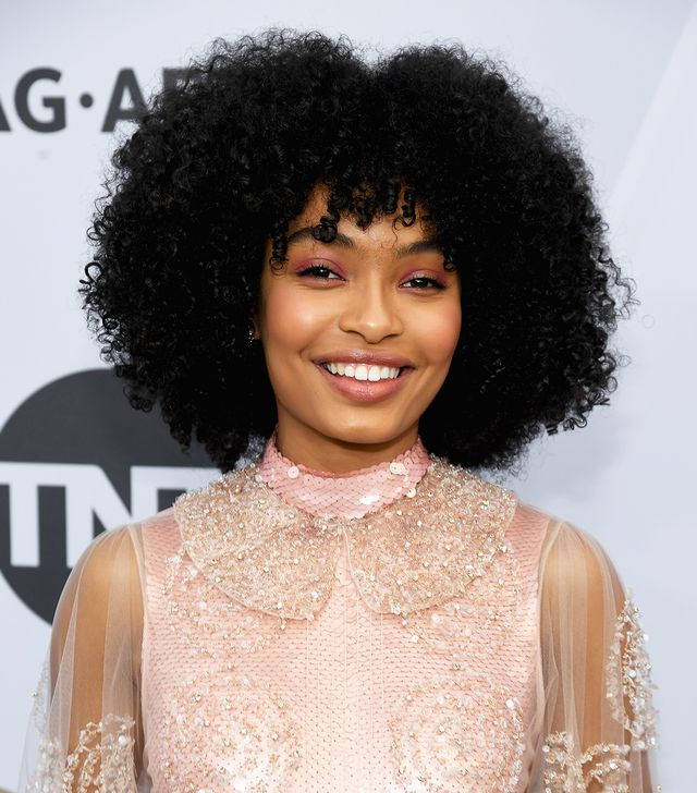 <p>Actress Yara Shahidi never leaves us disappointed, and as soon as we saw her exit the limo with that Fendi dress, we knew she'd have an A+ beauty aesthetic to match. And yes, it literally did...