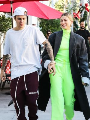 It's True: Celebrities Can't Stop Wearing This Freaky Trend