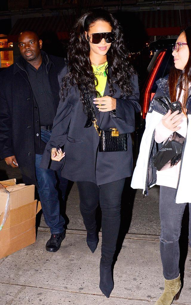 Neon clothing trend: Rihanna