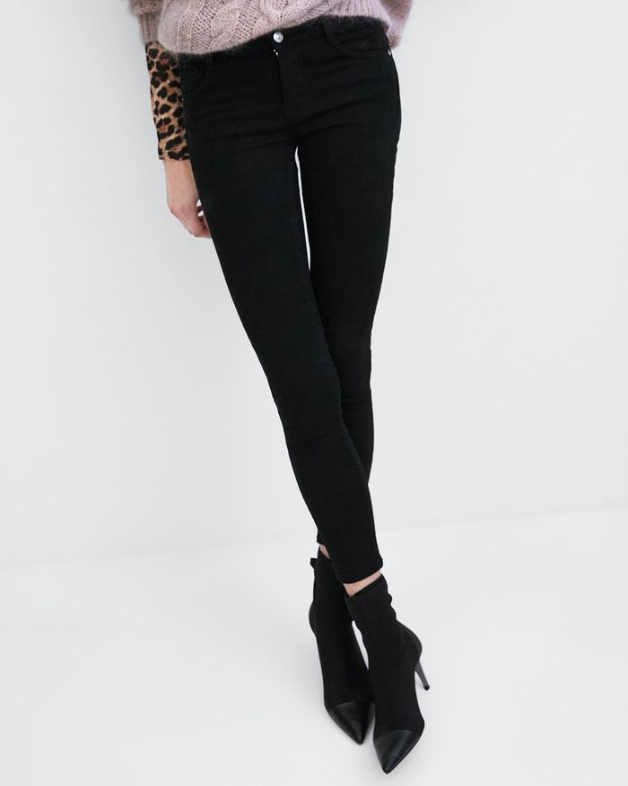0bea4509 Shop Zara's New Elastic-Waist Jeans | Who What Wear