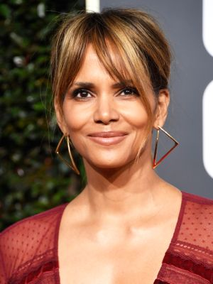 Alert: Halle Berry Shared the Mask That Helps Her Look 20 Years Younger