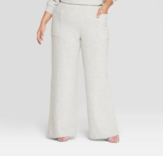 big sale 34991 6e51e 10 Outfits With Sweatpants That Are Über-Cool and Cozy   Who What Wear
