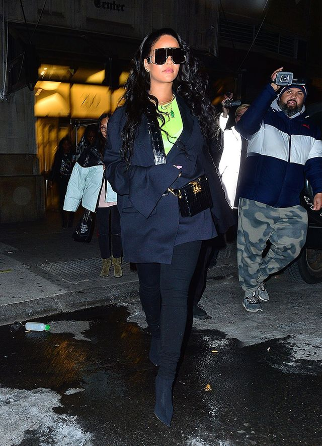 Rihanna Black-Jean Outfit