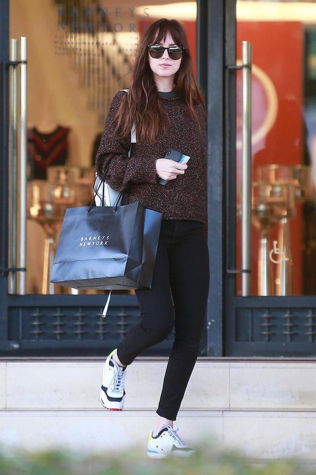 Dakota Johnson Shoe Capsule Wardrobe: Sneakers