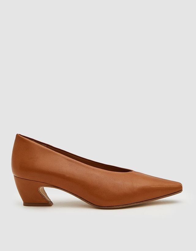 how to shrink shoes and pumps