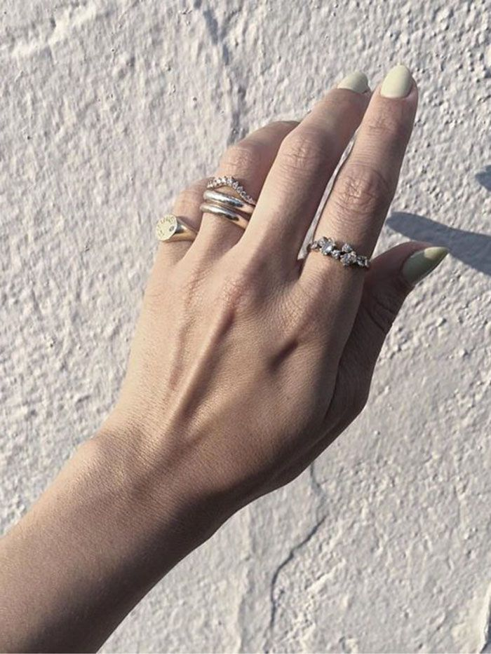15 Curved Wedding Bands That Look Great Will All Your Rings Who