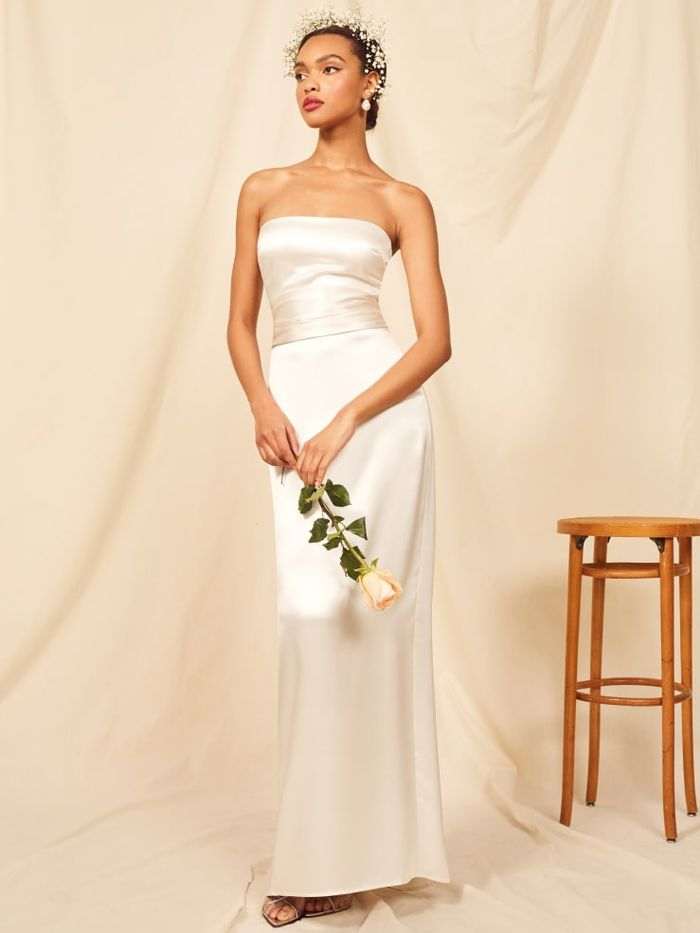 cda3fbca338 20 Casual Wedding Dresses for the Low-Key Bride