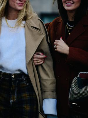 British Girls Politely Laugh Every Time Americans Wear These 4 Items