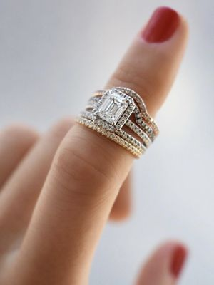 The 2019 Way to Do Halo Engagement Rings