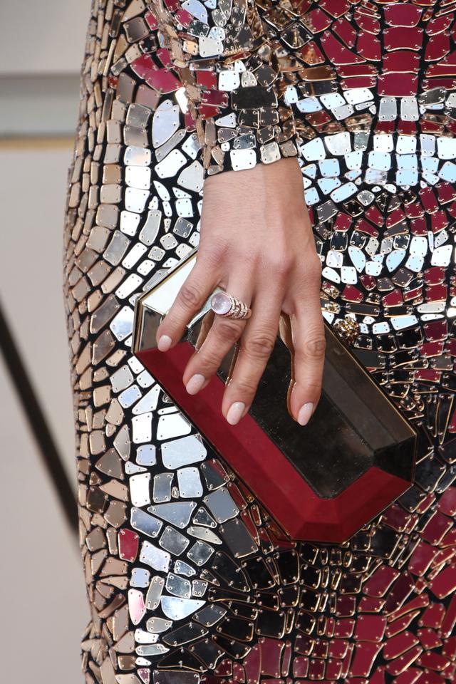 get a closeup look at jennifer lopezs oscars dress who