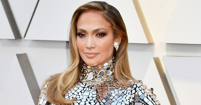 The Only Way to See J.Lo's Mirrored Oscars Dress Is Up Close