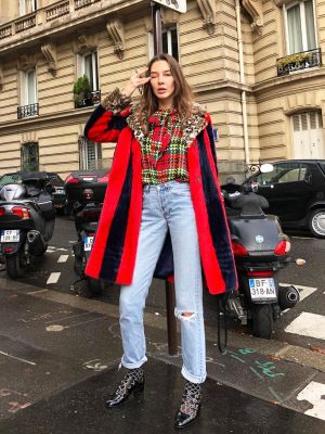 7 Things French Girls Always Wear With Jeans