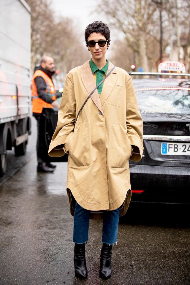French women wearing jeans