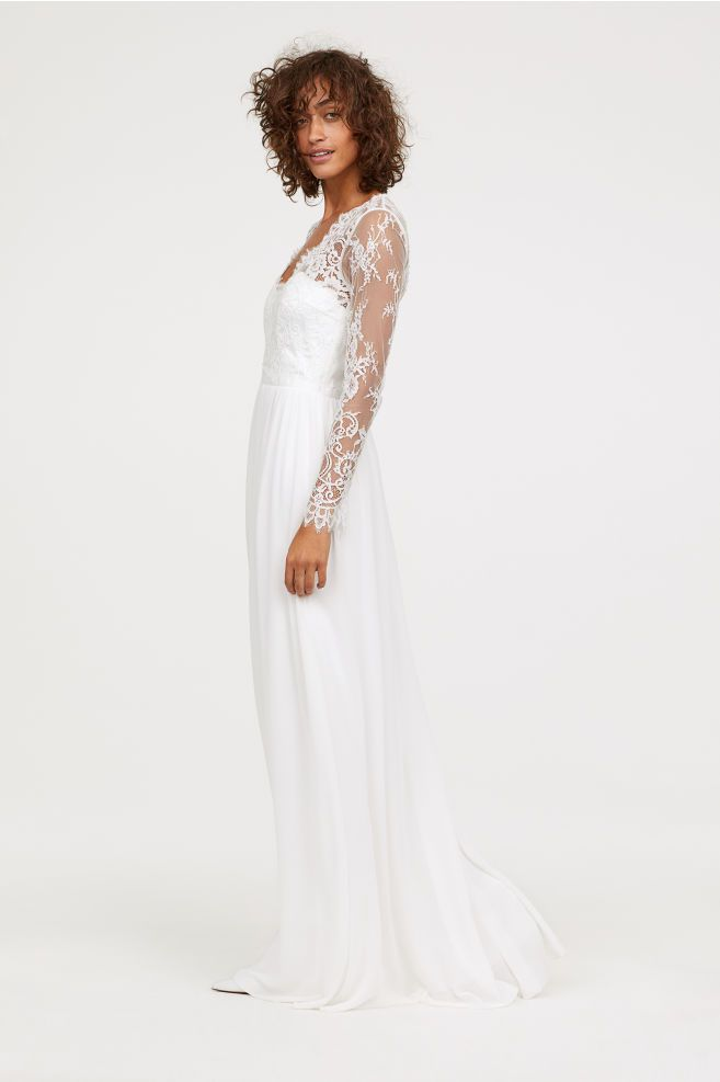 Attention, Please: These 6 Fast-Fashion Stores Carry Stunning Wedding Dresses