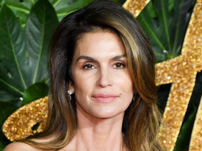 Cindy Crawford's $8 Drugstore Mascara Has Amazing Reviews