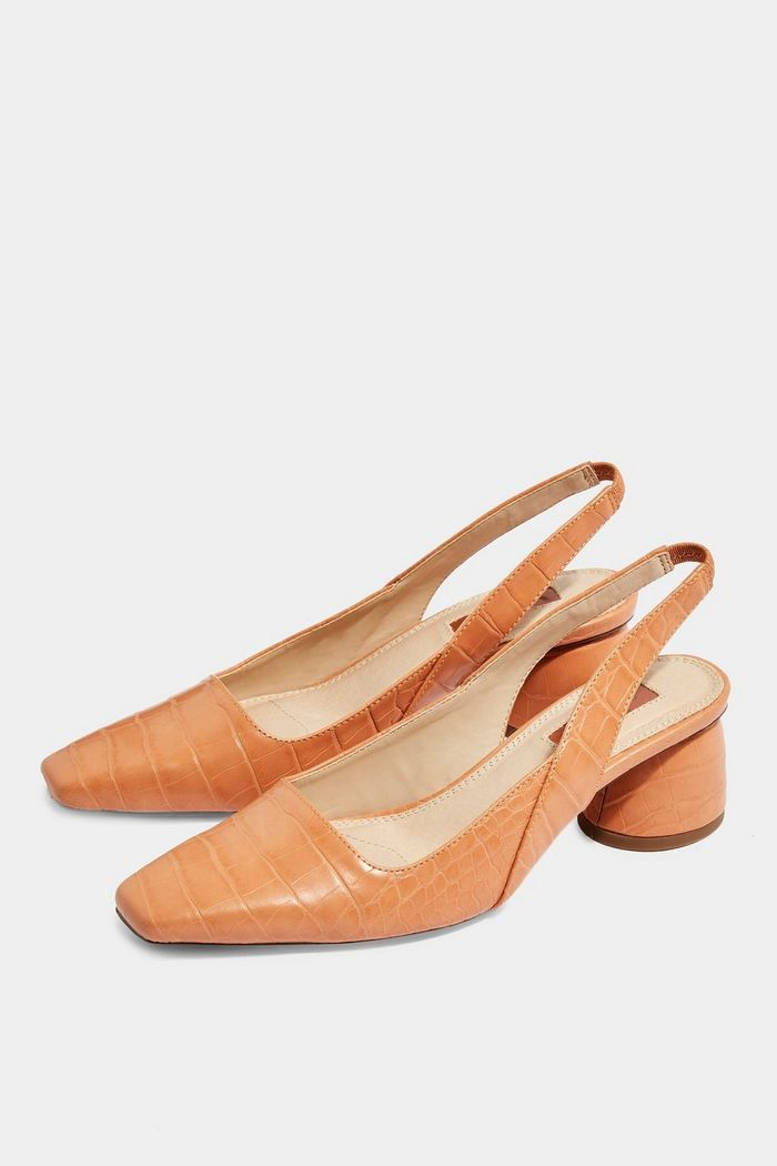 b90430b507c5d 9 Spring Shoe Trends that You Can Still Wear in Fall | Who What Wear
