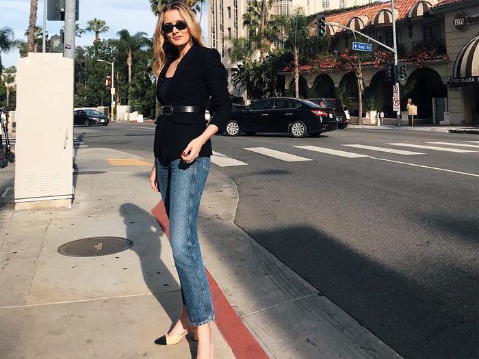 1e8535d11e1 Celebrity Style and Fashion Trend Coverage