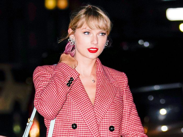 Taylor Swift Broke the Dress Code for Gigi Hadid's NYC Birthday Party