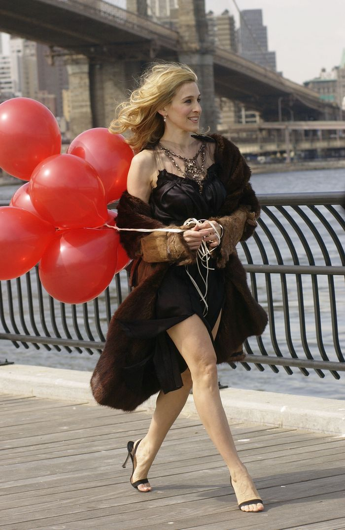 6 Summer Trends Carrie Bradshaw Would Never Wear