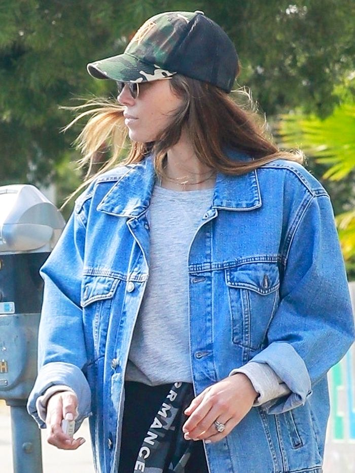 85c1df4d08dcb Jessica Biel Wore 2019's Biggest Sneaker Trend | Who What Wear