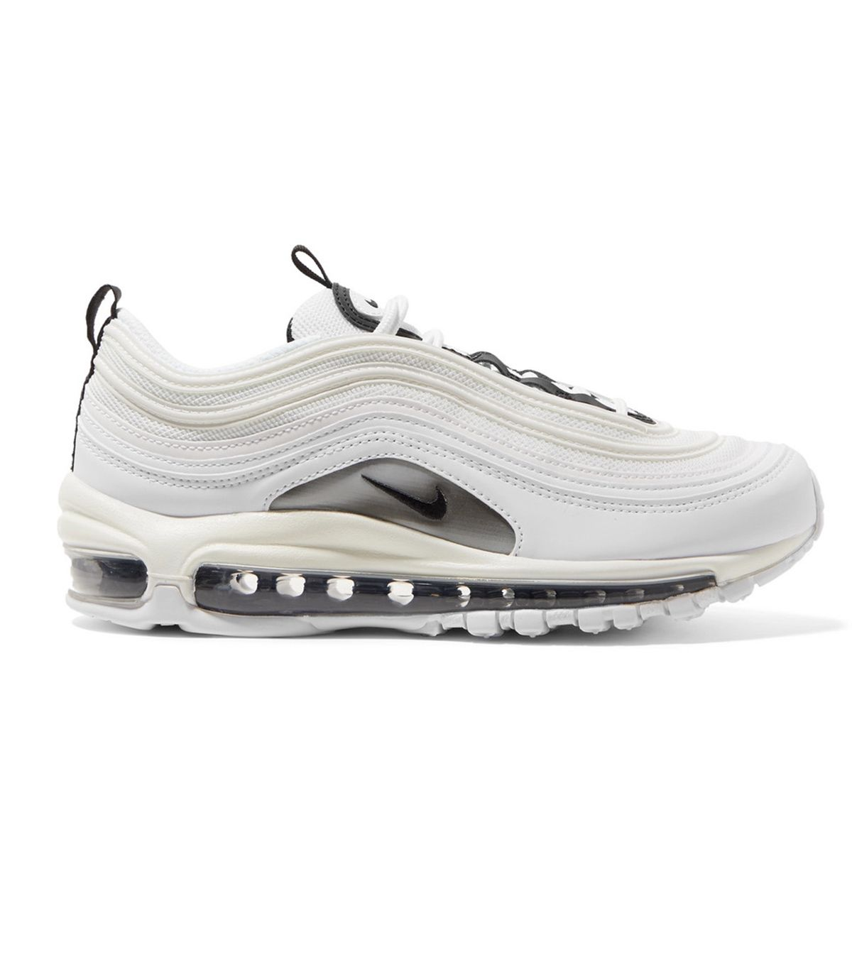 Women Over Age 40 Know These Are the Best Kinds of Sneakers, Wustoo