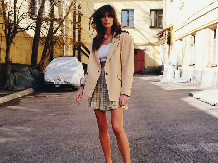 cbd5801ca3 Celebrity Style and Fashion Trend Coverage