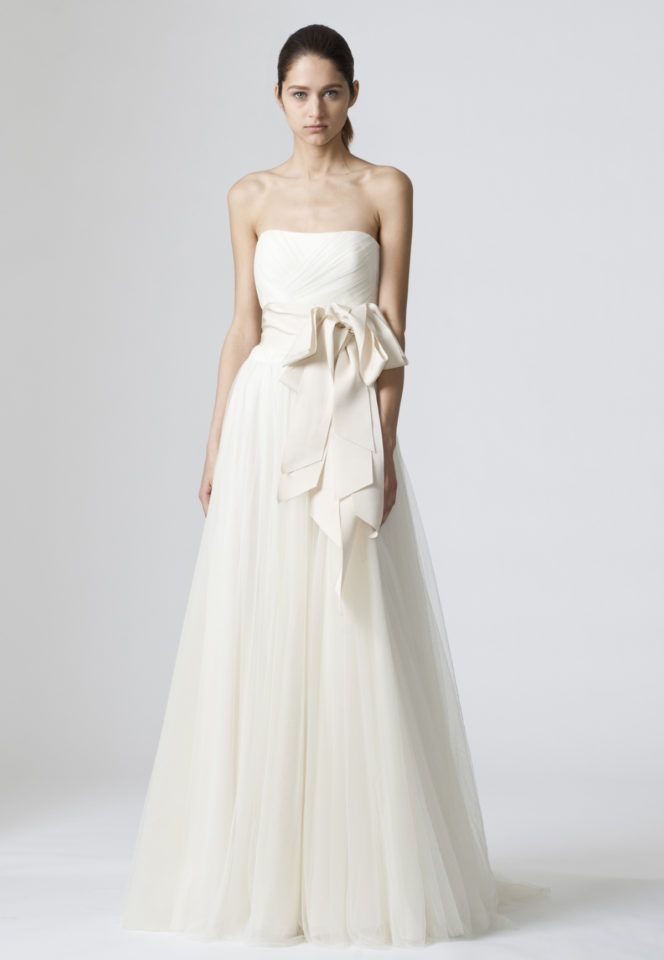 dc407163d 6 Popular Wedding Dress Brands—and 3 You Might Now Know Yet | Who ...