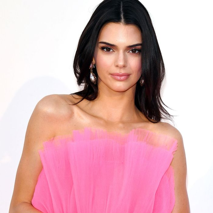 How to Master Kendall Jenner's No-Makeup Makeup, According to Her Makeup Artist