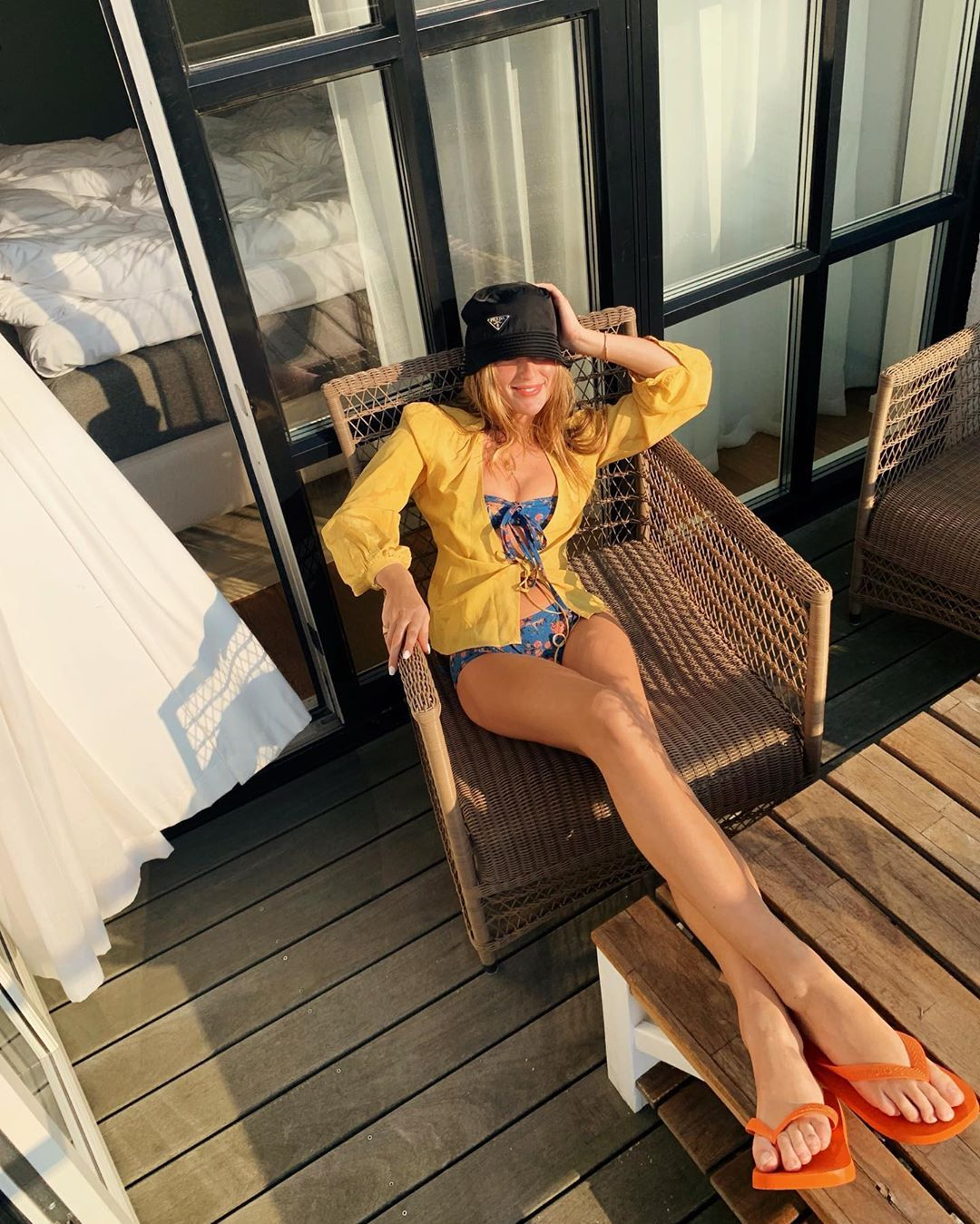 How Fashion Girls Are Packing for Their Beach Vacations in 2020 16