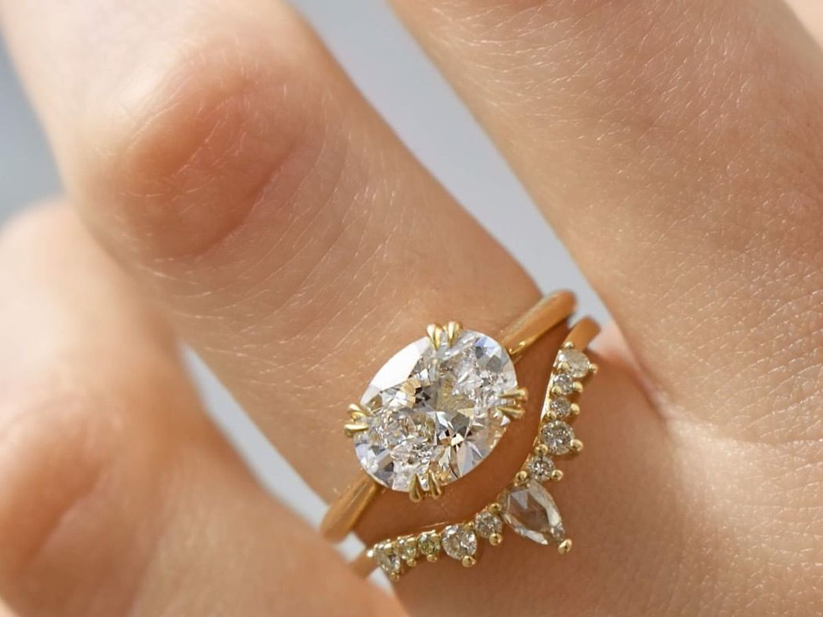 This Nontraditional Engagement Ring Trend Is on the Rise