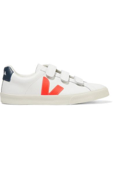 buy online eb6a9 a5647 The 21 Best Sneakers for Wide Feet, Says a Podiatrist | Who ...