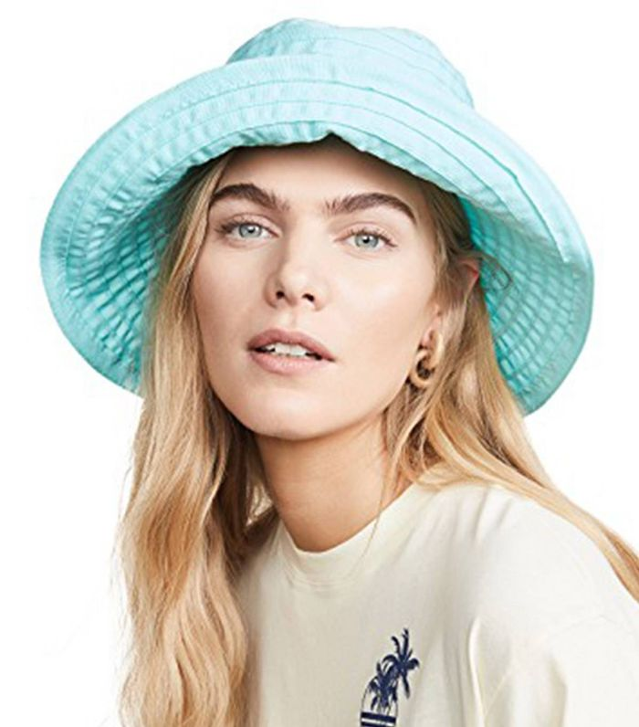 7 Major Summer Trends French Women Would Never Wear