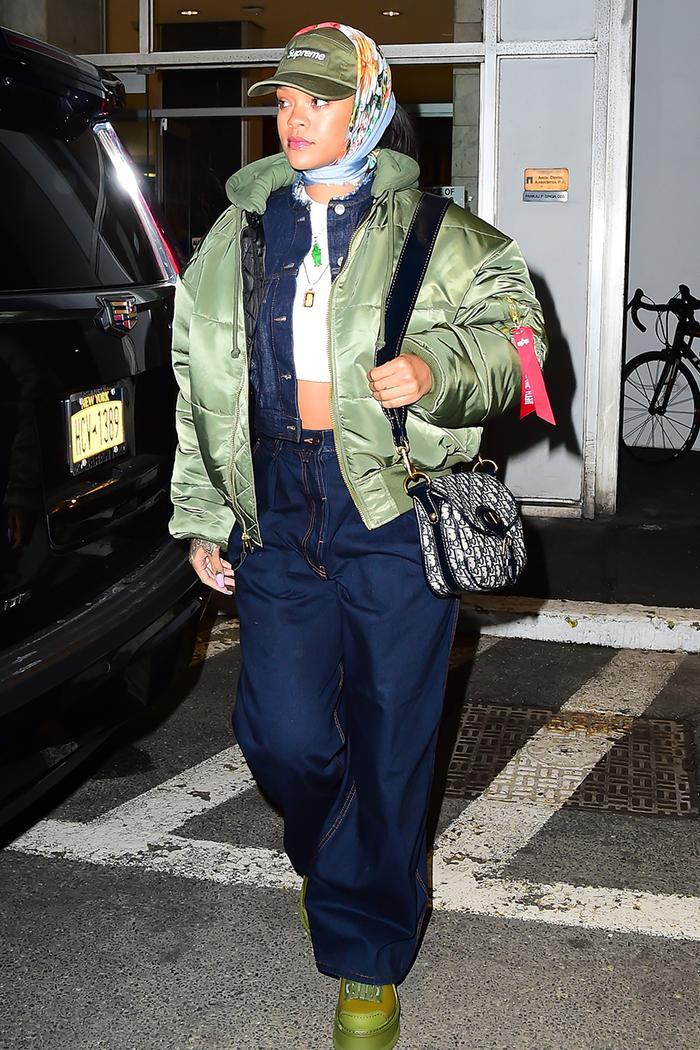 "7 Fashion ""Rules"" Rihanna Breaks on the Reg"