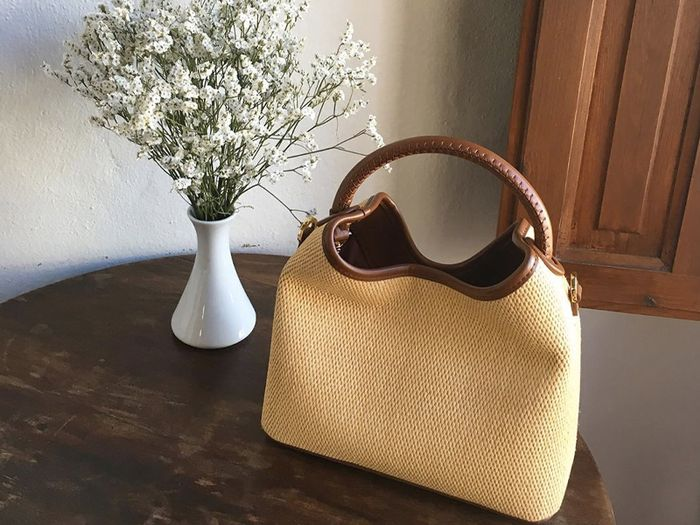 eba749f2a702 Trust Me, the Best Tan Handbags Always Look Expensive | Who What Wear UK