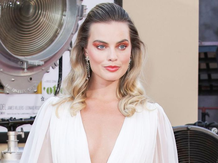 Margot Robbie Basically Wore a Wedding Dress on the Red Carpet