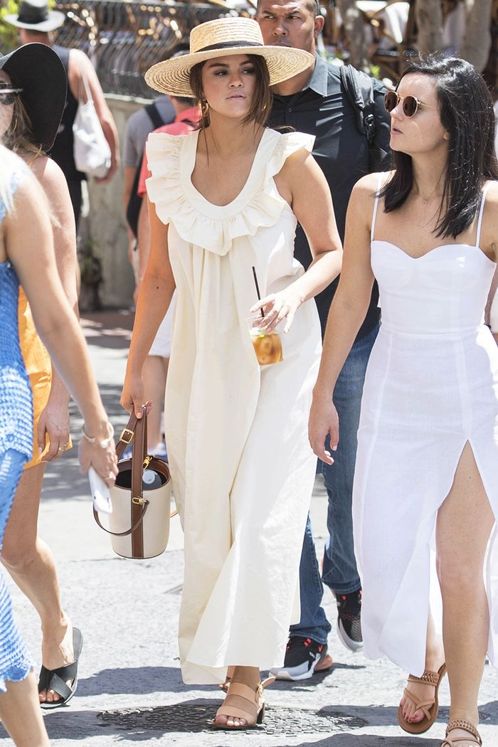 Selena Gomez Found the World's Most Comfortable Dress for Vacation in Italy