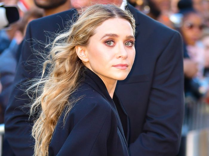 Ashley Olsen's Baggy Pants Are So Much Cooler Than Skinny Jeans