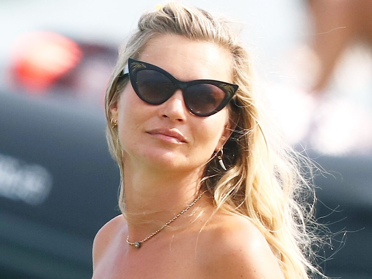"""Kate Moss Just Broke This Swimsuit """"Rule"""" in Saint-Tropez"""