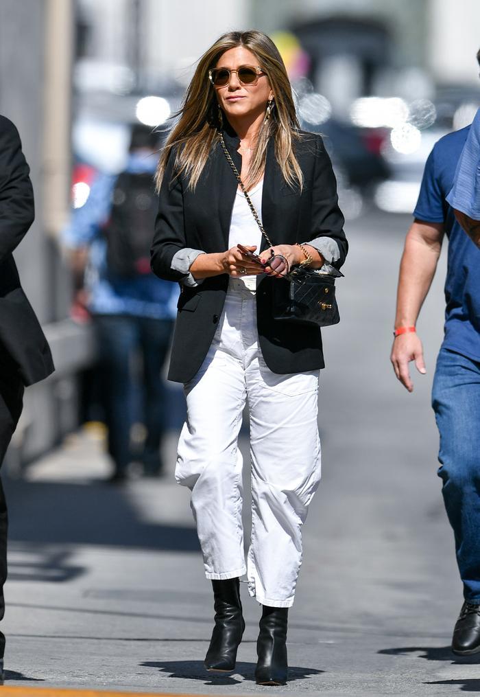 7 Basic Fashion Items Jennifer Aniston Wears On Repeat