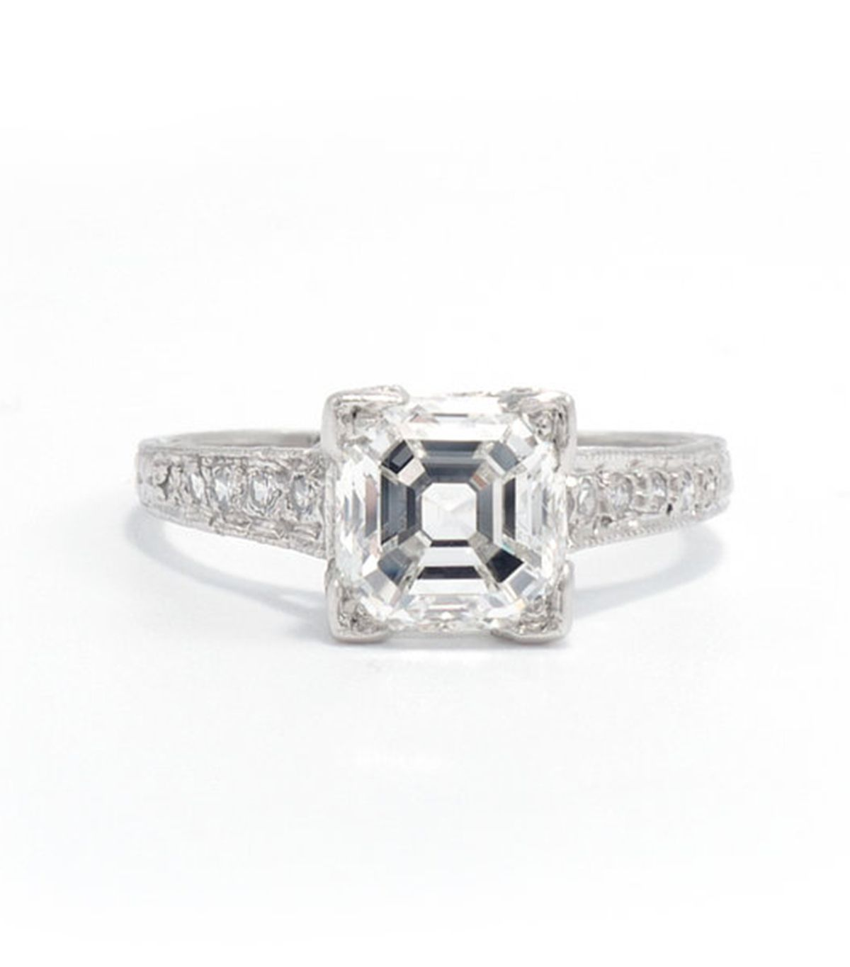 7 Things That Always Make an Engagement Ring Look Cheap 4
