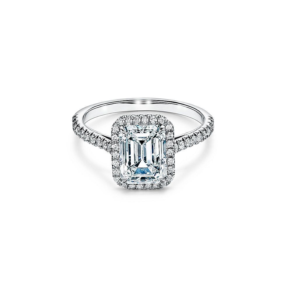 7 Things That Always Make an Engagement Ring Look Cheap 12