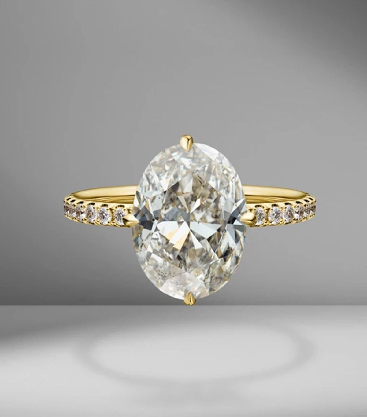 7 Things That Always Make an Engagement Ring Look Cheap 15