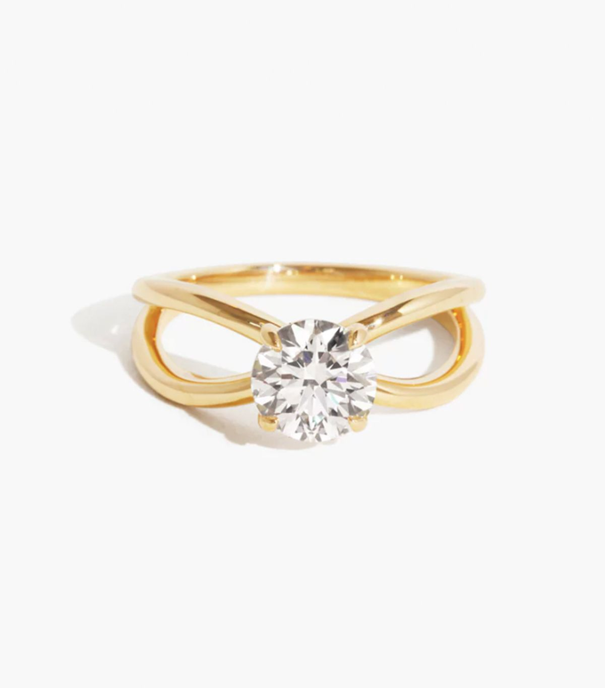 7 Things That Always Make an Engagement Ring Look Cheap 19