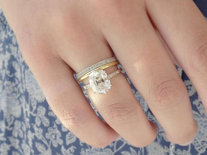 These 20 Pavé Engagement Rings Are Simply Stunning