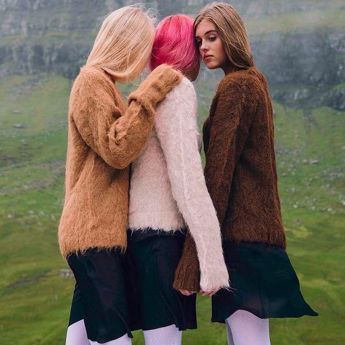 4 Cozy Trends to Invest In Now (Because Cold-Girl Winter Is Coming)