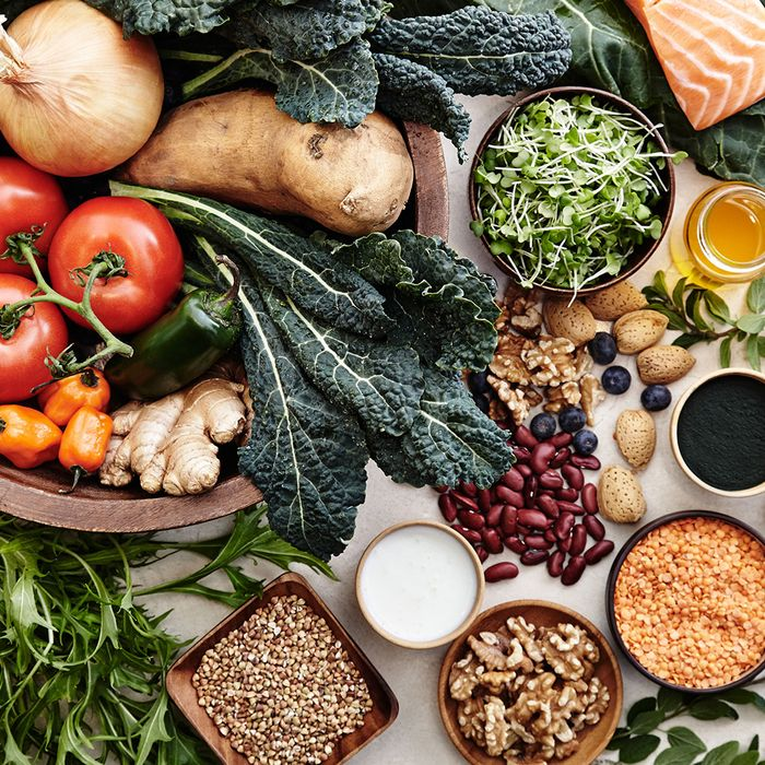 This Is the Best Diet to Reduce Your Cancer Risk, According to an Oncologist
