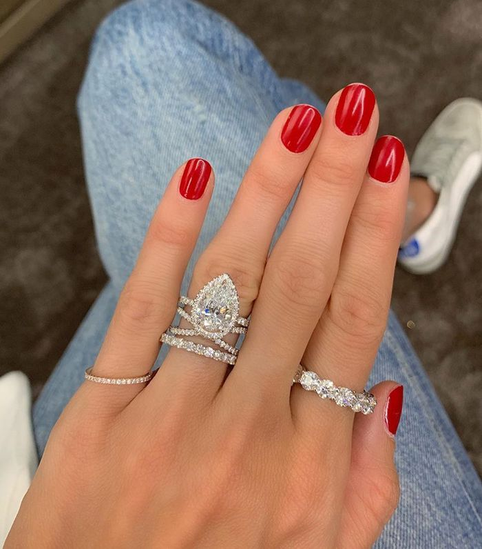 "4 Basic Mistakes People Make When Buying a ""Big Engagement Ring"""