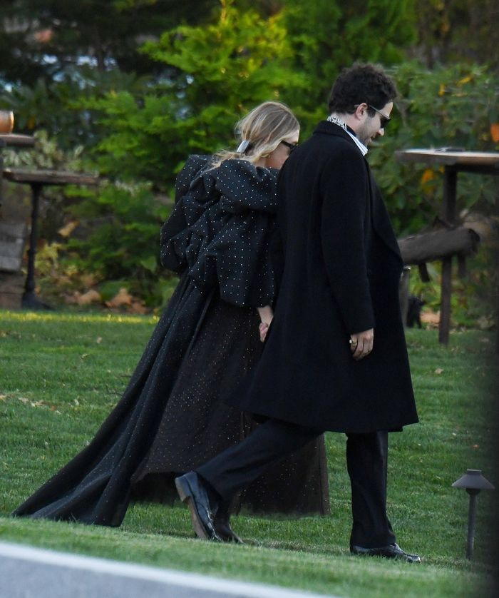 Ashley Olsen Wore the a Super Dramatic Dress to Jennifer Lawrence's Wedding